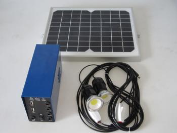 Kit d 39 eclairage solaire eclairage solaire int rieur for Eclairage solaire interieur