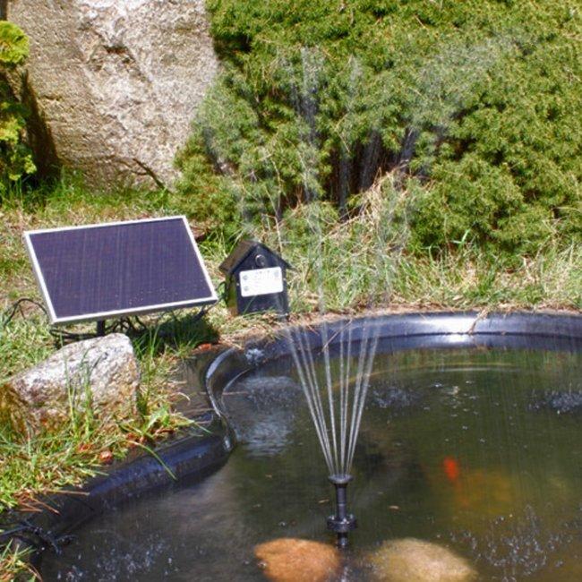 Pompe fontaine solaire de bassin batterie et led 250l for Fontaine bassin
